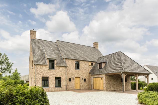 Villa met rustiek karakter (Moerbeke)